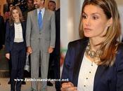 Príncipes Asturias visitan Onda Cero. look Dña. Letizia