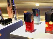 Tocando Dior: Trianon manos.