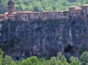 Castellofit Roca, Pueblo Precipicio