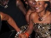Góspel africano Teatro Sanpol mano sexteto vocal ugandés Taano