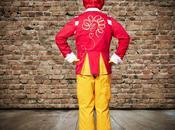 Ronald McDonald's cambia look nuevo traje