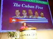 primera EE.UU. familiar cubanos habla públicamente
