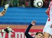 Casillas resguarda España