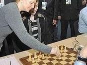 OLIMPIADA AJEDREZ KHANTY-MANSIYSK 2010 ronda: Rezemos Boris Spassky)