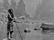 Hupa pescando (1923). Fotografía Edward Curtis.