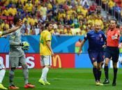 Brasil despide afición otra goleada