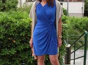 vestido azul drapeado marie claire
