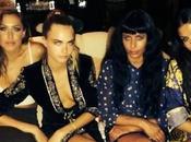 Selena Gómez comparte camisa Versace millonario Alshire Fiyaz