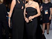 Jodie Foster presenta mujer Emmy