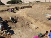 Descubren primer mausoleo cristiano mesa ofrendas Baelo Claudia, Tarifa (Cádiz)