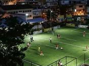 campo fútbol ilumina energia cinética