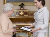 Angelina Jolie, nombrada dama honor Isabel
