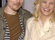 """Courtney Love: """"Cuando Billy Corgan dejó escribir sobre hacer éxitos"""""""