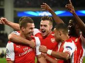 Arsenal remonta últimos minutos