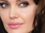 cosméticos utilizan famosas para lucir piel radiante siempre joven