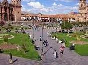 turistas visitan Perú