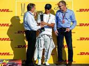 Hamilton recibe premio lograr mayor número vueltas rápidas 2014