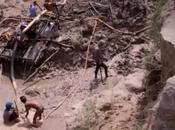 Niños trabajan condiciones peligrosas para suministrar estaño Apple