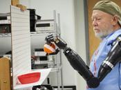 Ayuda Ciencia, Hombre Recupera Brazos