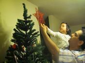 Configurando casa para Navidad