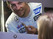 "Jenson Button convierte ""Secret Santa"" Banco Santander"