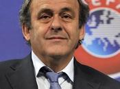 FIFA propone tarjeta blanca futbol.