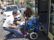 Defensor Menor Andalucía: Consigue transporte escolar adaptado para niño discapacidad física