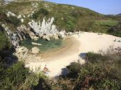 playa pequeña mundo está Asturias