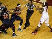 Pelea, partido baloncesto femenino NCAA
