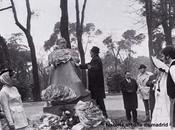 Sainz Robles frente monumento Pérez Galdós