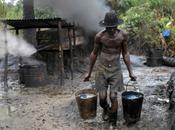 maldición negro: robo petróleo Nigeria