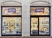 Cuadricula madera contrachapada diseño tienda Camper Milán