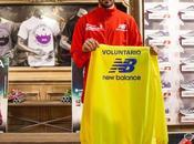 ¿Que prenda recibirán corredores voluntarios Maratón Sevilla?