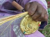 Artesanía manos milagrosas mujeres lepra
