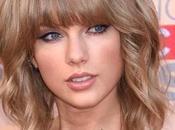 Taylor Swift revela madre tiene cáncer