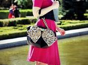 Nuestra bloguera moda @Loqllevelarubia trae hoy… Fuchsia Dress