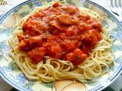 Espaguetis salsa tomate, calabacin pollo