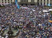 Gobiernos Guatemala, Honduras Perú, asediados crecientes protestas sociales