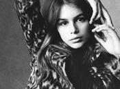 Kaia Gerber firma Models posa para Steven Meisel