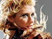 Kesha: Vendedora Discos Futuro