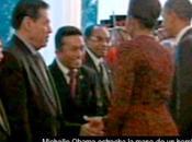 Escándalo Michelle Obama estrechar mano líder musulmán indonesio