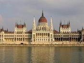 Hungría, mayor sistema cuevas aguas termales mundo.