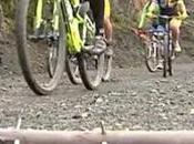 Nueva denuncia publica palos puntas, patatas clavos, trampas contra ciclistas