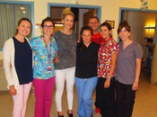 """Jennifer Lawrence"" visitó Hospital Shriners para niños, ayer 7/08/2015"