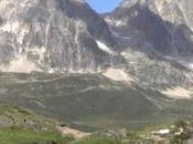Ruta TransAlpina Suiza unos cicloturistas (vídeo)