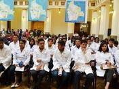 Morales despidió médicos cursarán especialidades Cuba