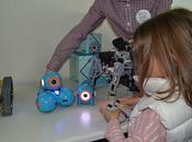 Doce nuevos colegios Madrid añaden tecnología actividades extraescolares mano ConMasFuturo