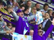 Maradona foco escena partido Pumas