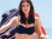 Alexandra Daddario confirmada para película 'Los vigilantes playa'