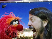 Batalla baterías entre Dave Grohl Animal Muppets